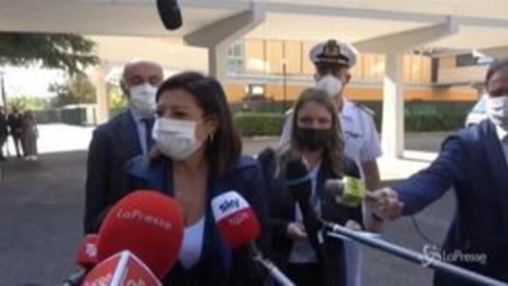 """Dl sicurezza, De Micheli: """"Ripristinata corretta gestione della sicurezza urbana e dei migranti"""""""