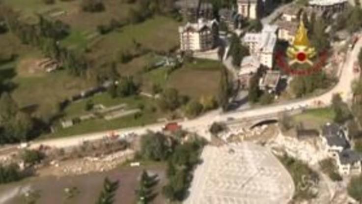 Vigili del fuoco, il recupero dei connazionali bloccati in Francia con l'elicottero