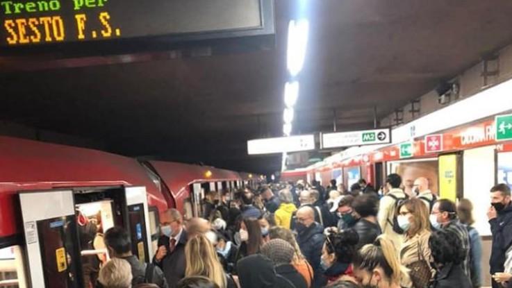 Milano, il consigliere De Chirico (Fi): Nessun distanziamento in metro