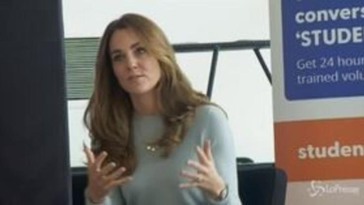 Regno Unito: Kate Middleton parla con gli universitari del coronavirus