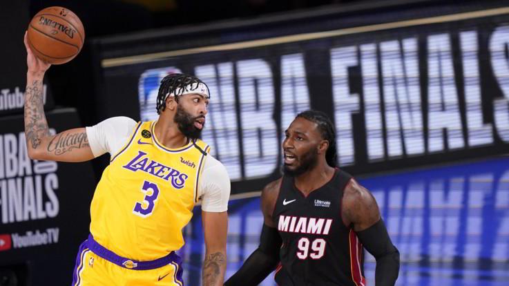 Nba Finals, i Lakers vincono gara 4 e vedono il titolo
