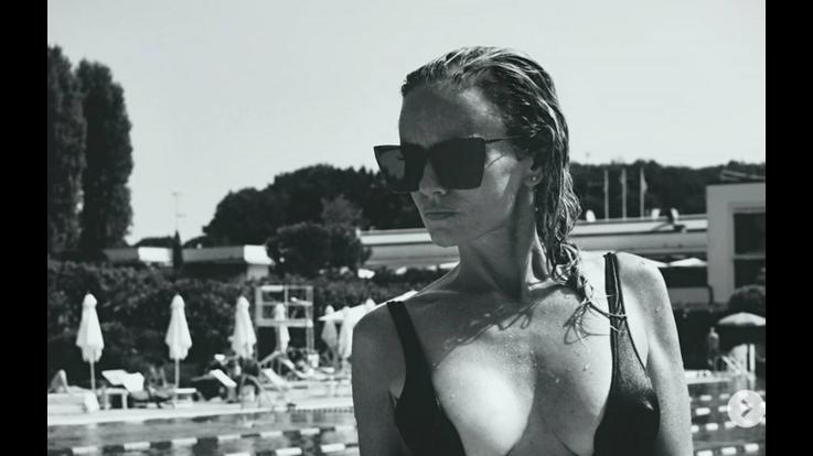 Justine Mattera sexy in piscina mostra un fisico da urlo - SEXY INSTAGRAM