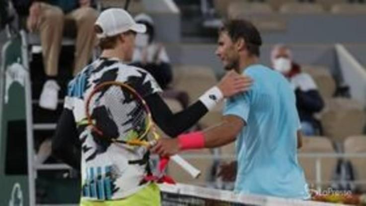 Tennis, finisce la favola di Sinner al Roland Garros