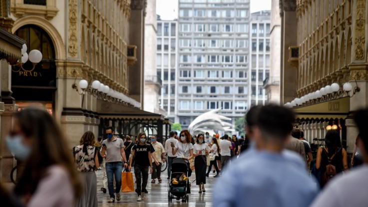 Impennata dei contagi in Italia: 4458 nuovi positivi, oltre 128mila i tamponi effettuati