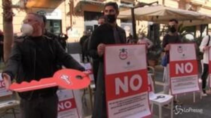 """Napoli, gestori dei locali contro De Luca: """" Chiediamo revoca ordinanza"""""""