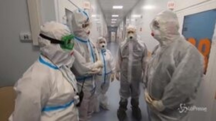 Russia, record di contagi da inizio pandemia: 12mila in un giorno