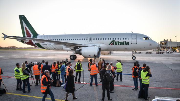Alitalia, firmato decreto per la nuova compagnia di bandiera
