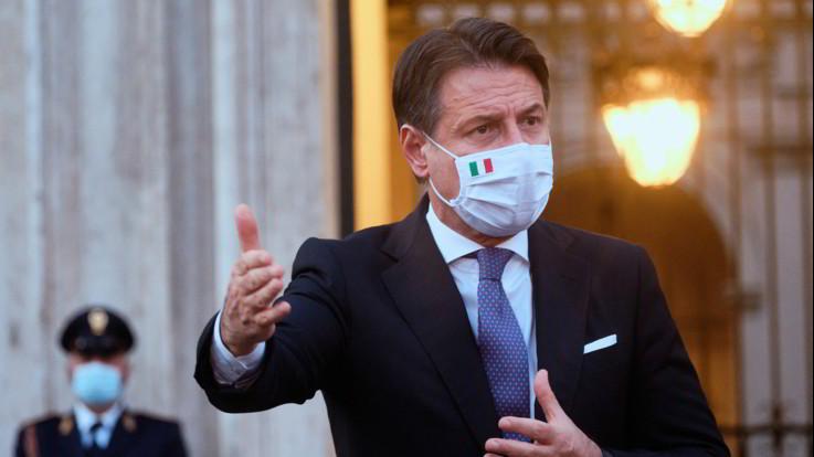 Slitta vertice a Palazzo Chigi. Renzi chiede tavolo con Zingaretti e Di Maio