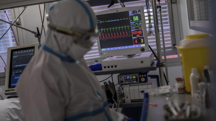 Covid, in Italia 5724 nuovi contagi e 29 morti