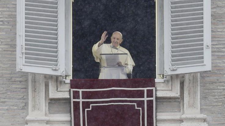 """Papa: """"Più donne nelle istituzioni di responsabilità della Chiesa"""""""