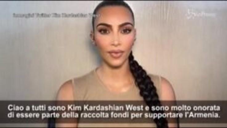 """Kim Kardashian dona un milione di dollari per l'Armenia: """"Distanti ma senza confini"""""""