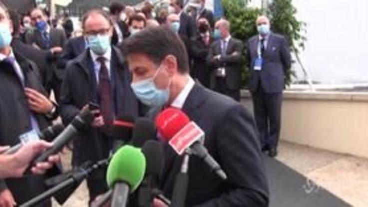 """Coronavirus, Conte: """"Lockdown a Natale? No previsioni e basta polemiche"""""""