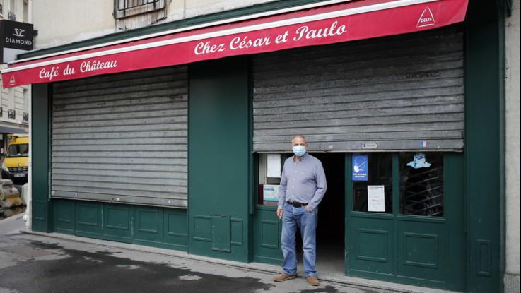 Coronavirus, coprifuoco a Parigi e città Francia. In Gb quasi 20mila casi