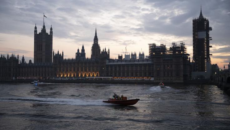 Londra entra in 'allerta alta', nuove misure restrittive da sabato