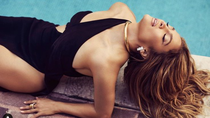 Jennifer Lopez, Instagram impazzisce per la foto cover di Billboard