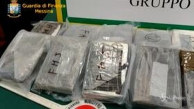 Messina, sequestrati 20 chili di cocaina al porto