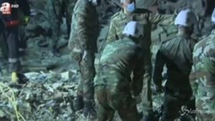 Azerbaigian, armeni bombardano Ganja: 12 morti