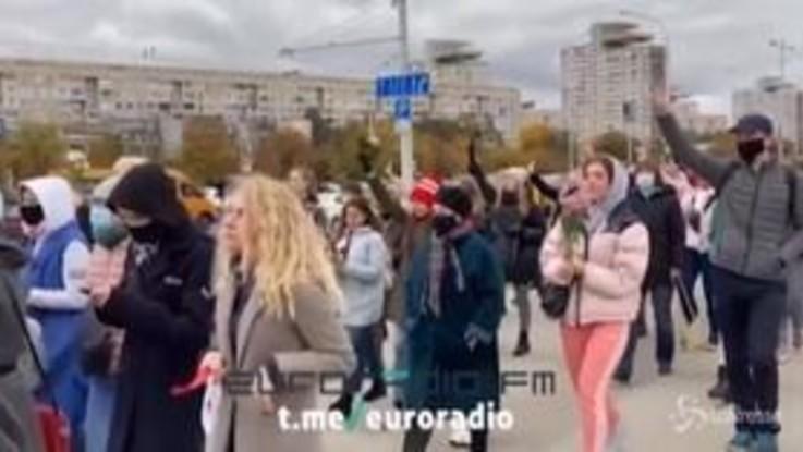 Bielorussia, marcia delle donne contro Lukashenko