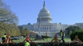 Washington: un albero di Natale alto 55 metri al Campidoglio