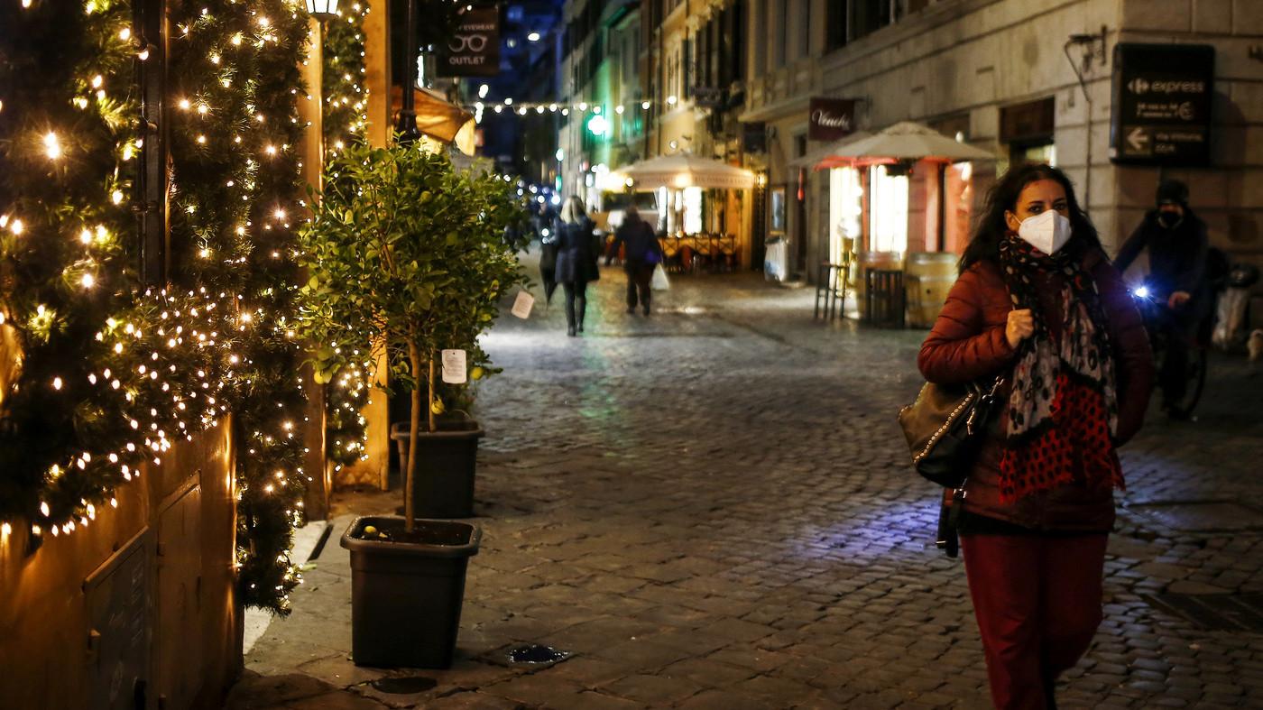Governo lavora al nuovo Dpcm: verso stretta sul Natale - LaPresse