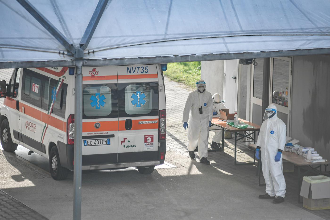 Coronavirus, l'Autodromo di Monza si trasforma in un check point: ambulanze e triage in pista