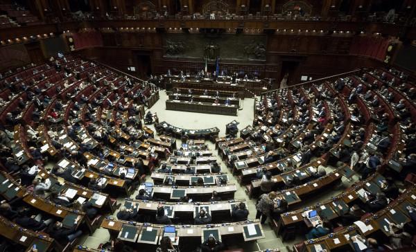 Camera e Senato approvano lo scostamento di bilancio