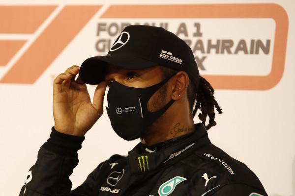 Gp Bahrain: per Hamilton la 98esima pole in carriera, lontane le Ferrari