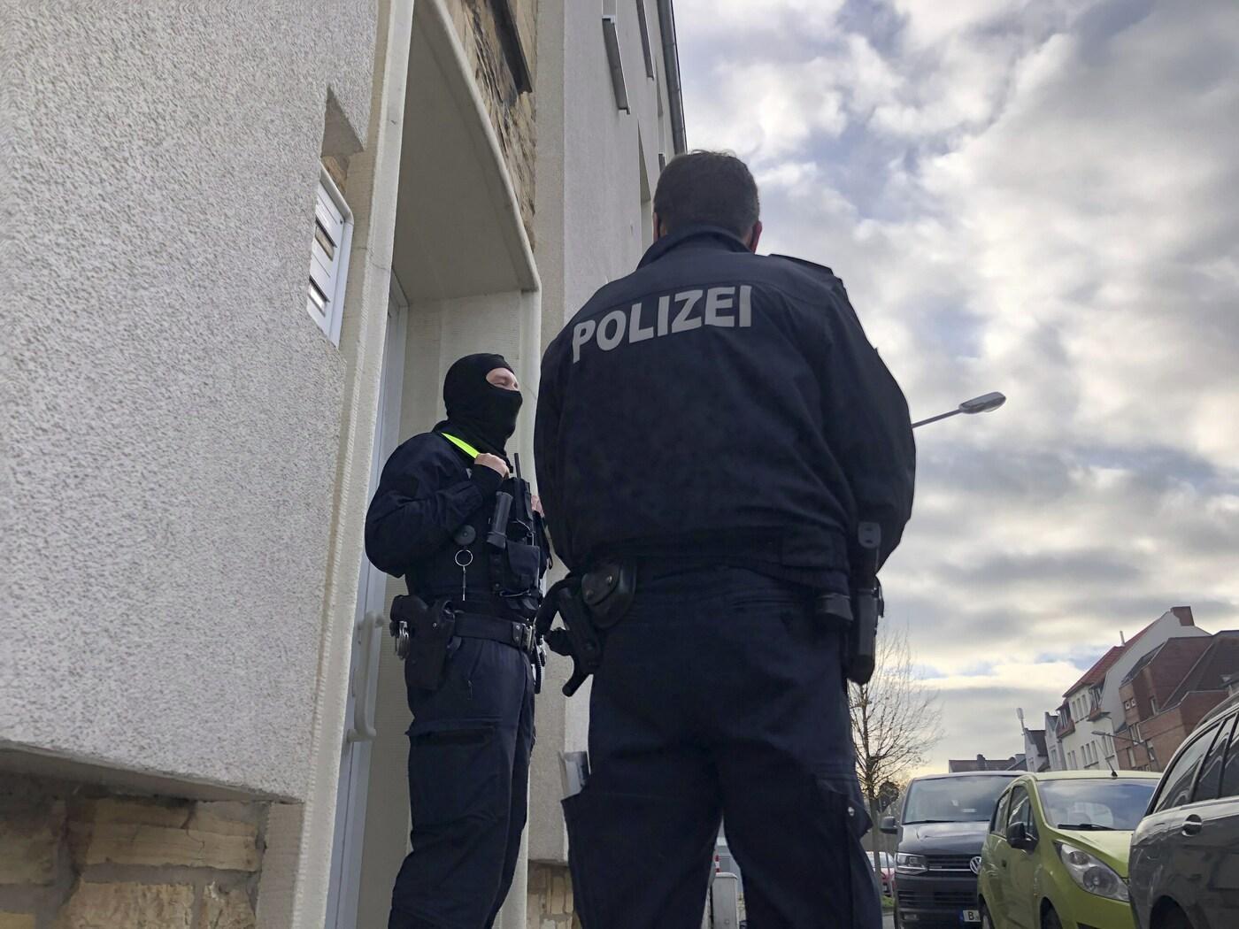 Germania, auto investe pedoni a Treviri: feriti. La polizia indaga - LaPresse