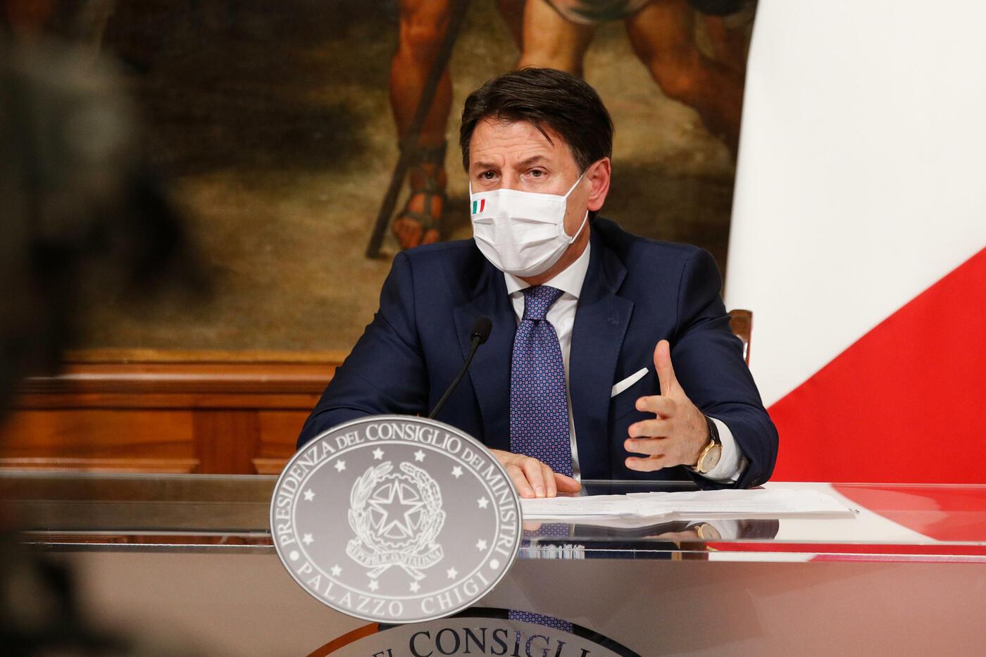 Nuovo Dpcm del 3 Dicembre, il premier Giuseppe Conte in conferenza stampa presenta il nuovo dpcm