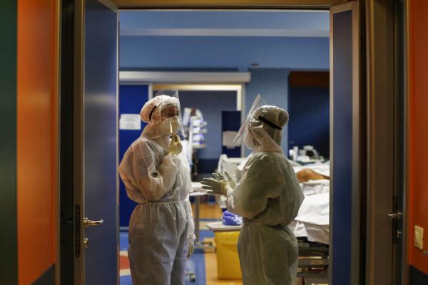 Coronavirus: ritorno alle terapie intensive, la seconda ondata richiede nuovamente un grande impegno dei sanitari