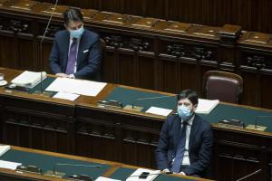 """Dl Natale, Conte apre a spostamento tra comuni. Speranza gela: """"Massimo rigore e prudenza"""""""