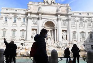 Coronavirus, l'Italia diventa