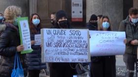 """Roma, i lavoratori dell'accoglienza in piazza: """"Più aiuti per l'eccellenza italiana"""""""