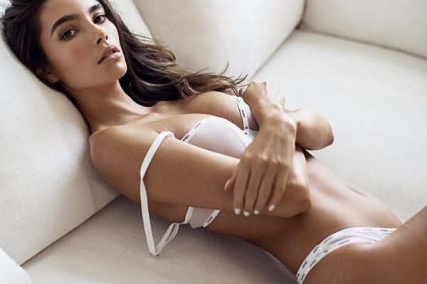 Cindy Mello in lingerie, foto video Instagram