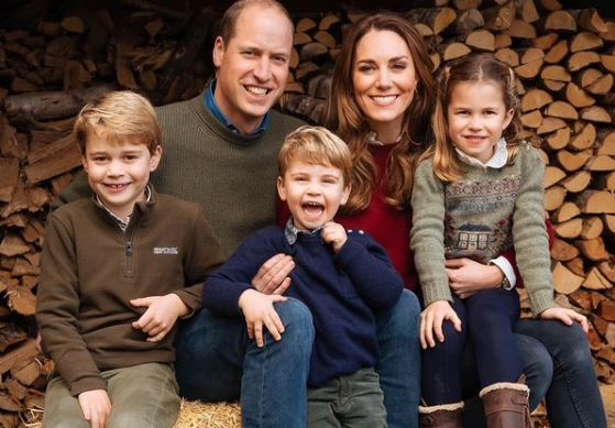 Natale in casa Royal, Kate e William con i figli