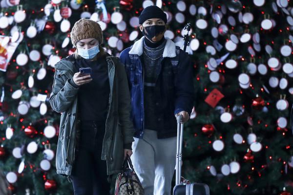 Coronavirus, si avvicinano gli spostamenti per le vacanze di Natale