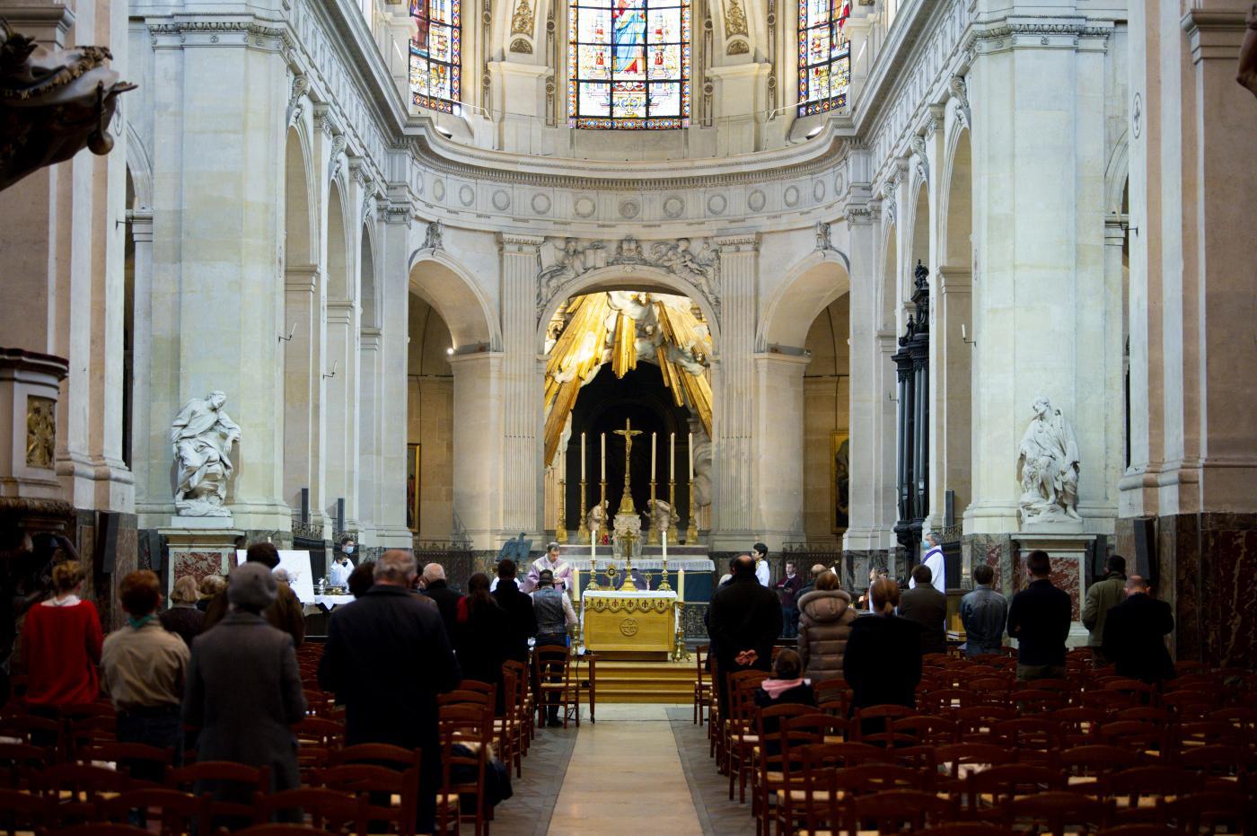 Riapertura delle messe in Francia con limitazione di massimo 30 persone