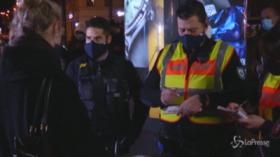 Colonia, la polizia controlla le strade dopo la nuova stretta