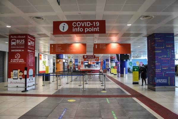 Coronavirus, tamponi rapidi ai passeggeri in arrivo in Sicilia