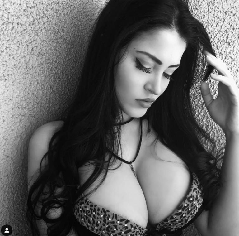 Claudia Alende, bomba sexy dal volto angelico
