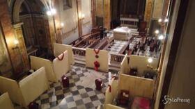 """Roma, la Chiesa di San Callisto apre le porte ai senzatetto: """"Io di stare in strada non lo auguro a nessuno"""""""