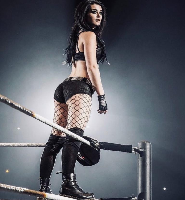 La wrestler Paige