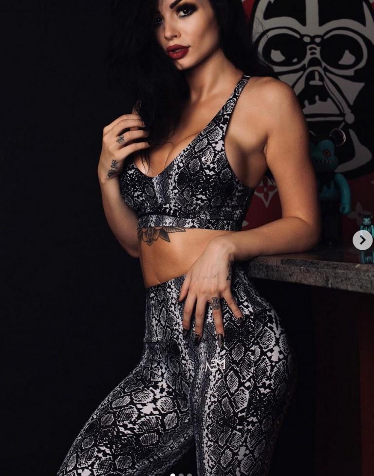 La lottatrice e modella Paige