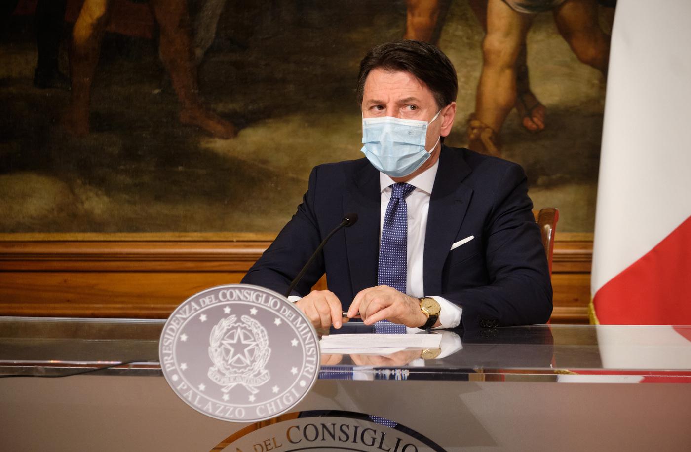 Palazzo Chigi, conferenza stampa di Giuseppe Conte su Decreto Natale