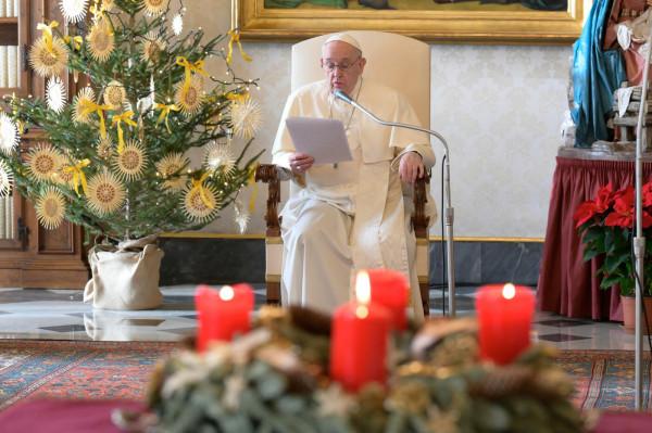"""Natale, Papa: """"Abbiamo bisogno di fraternità basata su amore reale"""""""