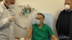 V-day: a Reggio Calabria prima dose a covid manager Mangano