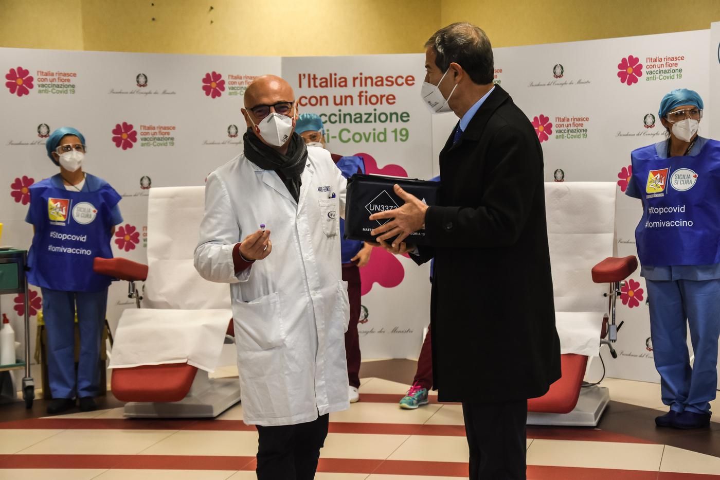 Covid, oggi è il V-Day: Prime vaccinazioni al'ospedale Civico a Palermo