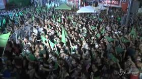 Argentina: sì alla legalizzazione dell'aborto, esplode la festa in piazza