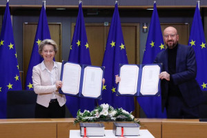Brexit, von der Leyen e Michel hanno firmato accordo commerciale