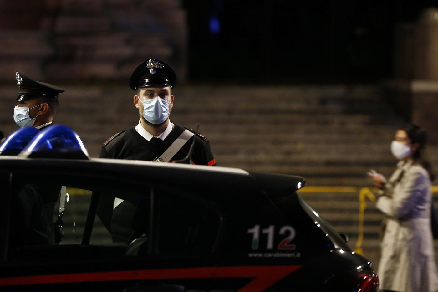 Coronavirus, emergenza sanitaria: lock down notturno - Piazza Trilussa chiusa per il coprifuoco